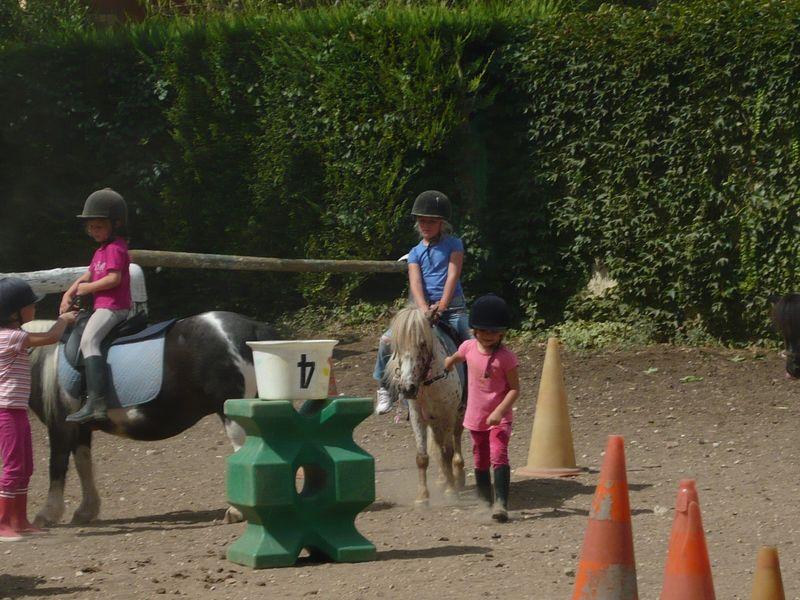 26 Juill 2011 052 E au poney