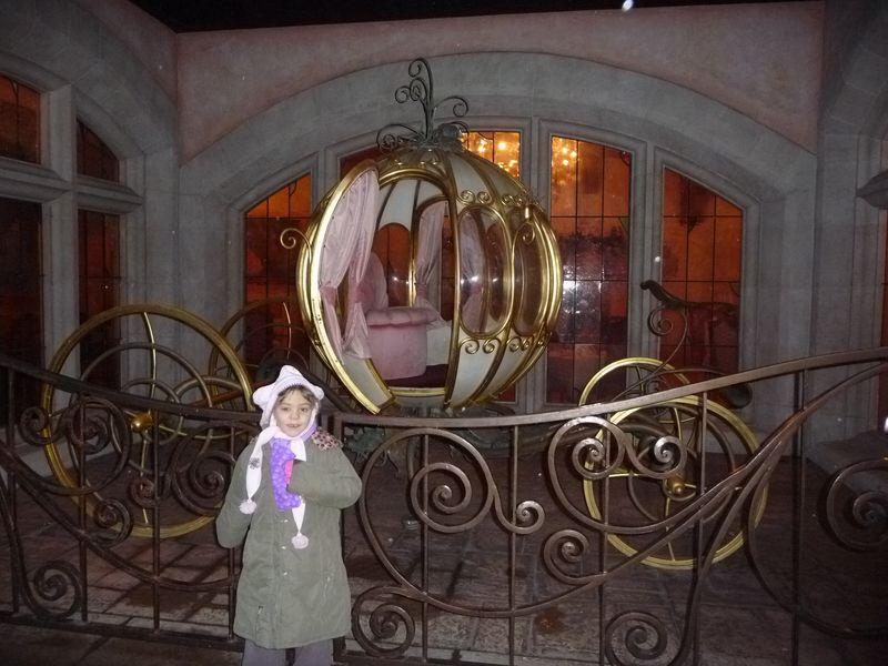 12 Dec 2011 027 E & carosse